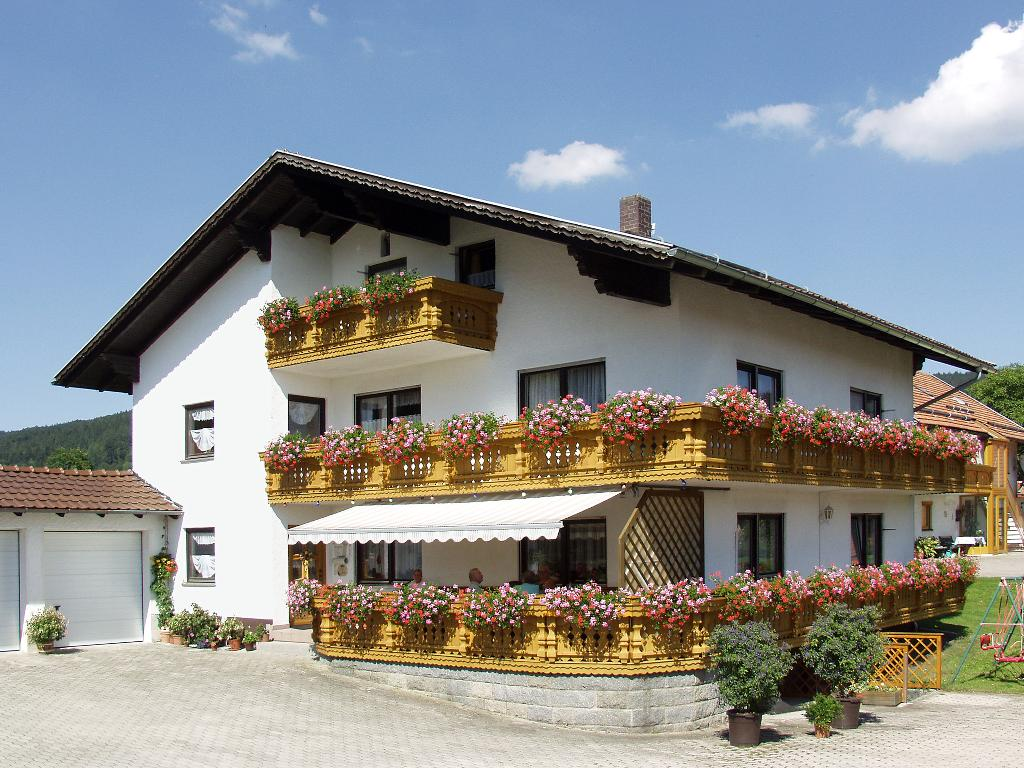 Ferienwohnungen Helga in Haibach-Elisabethszell