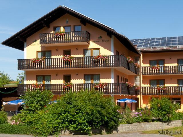 Landhotel Neuhof in Zenting