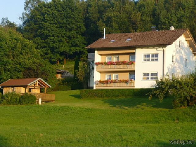 Haus am Waldesrand in Achslach