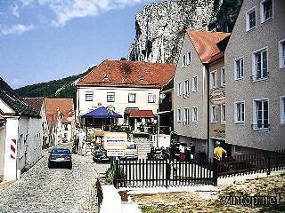 Felsenwastl in Essing