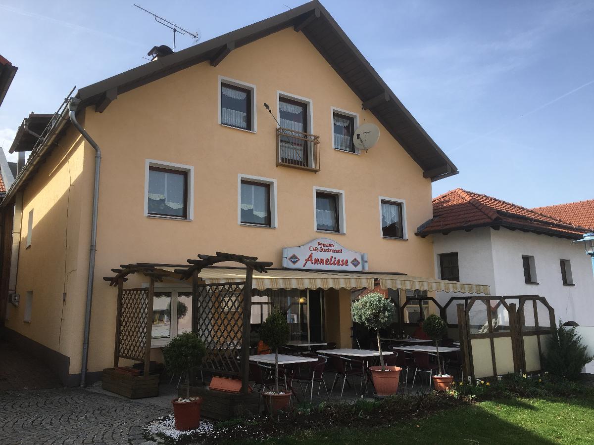 Pension u. Cafe Anneliese in Schöfweg