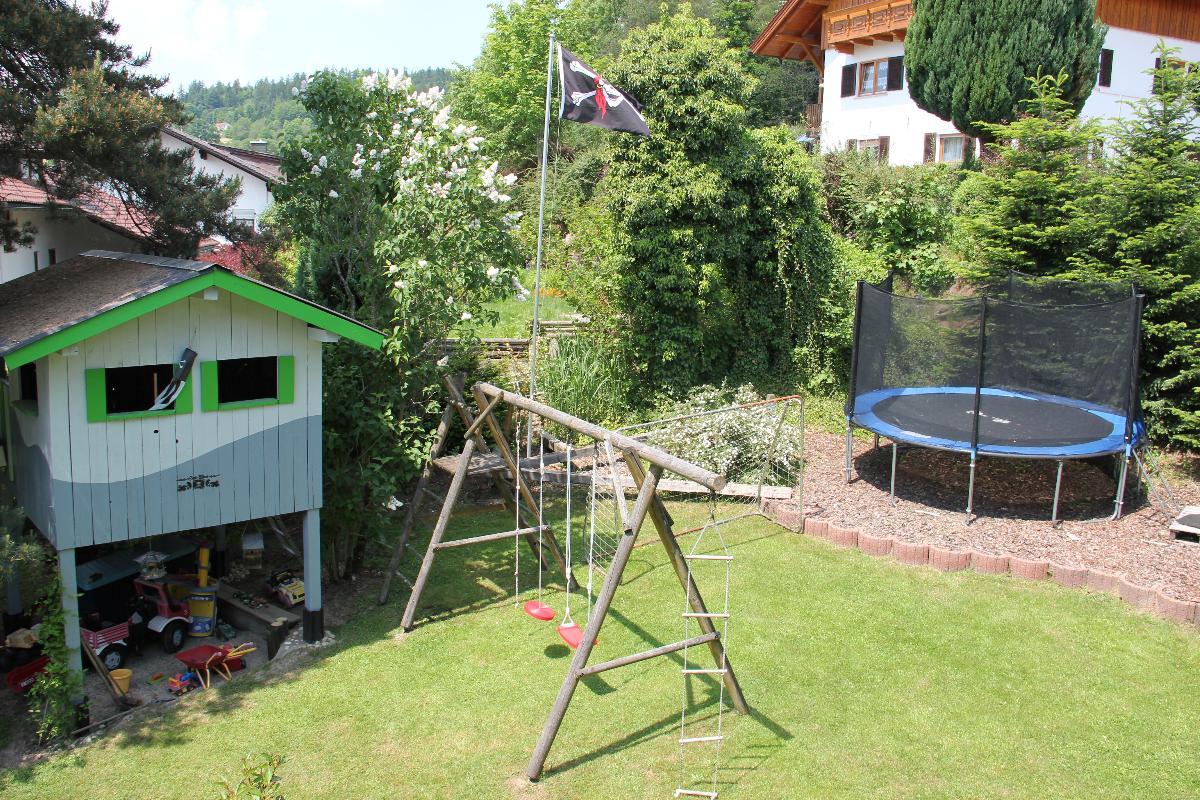 Villa Relax - Ferienwohnungen & Hallenbad & Relaxgarten in Bodenmais