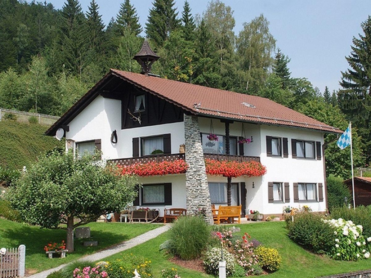 """Ferienwohnung """"Haus Fernblick"""" in Langdorf"""