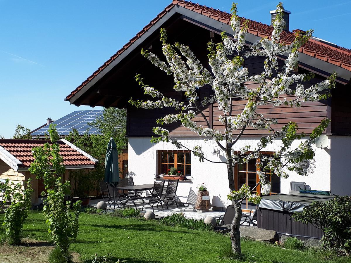 Beim Wartner - CHALET & SUITES in Teisnach -Arnetsried