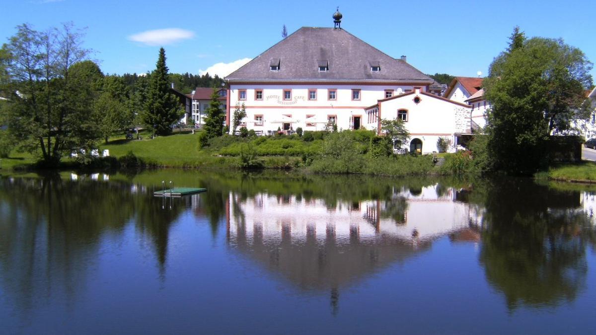 amweia Hotel & Restaurant
