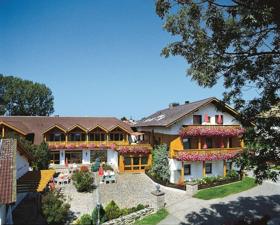 Ferienhotel Münch in Neukirchen b. Hl. Blut