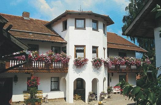 Kieslinger Hilde in Arrach
