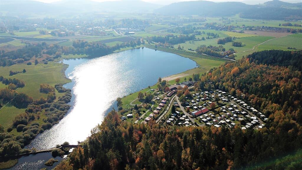 Ferienpark Perlsee Ferienhäuser, Camping, Mobilheime in Waldmünchen