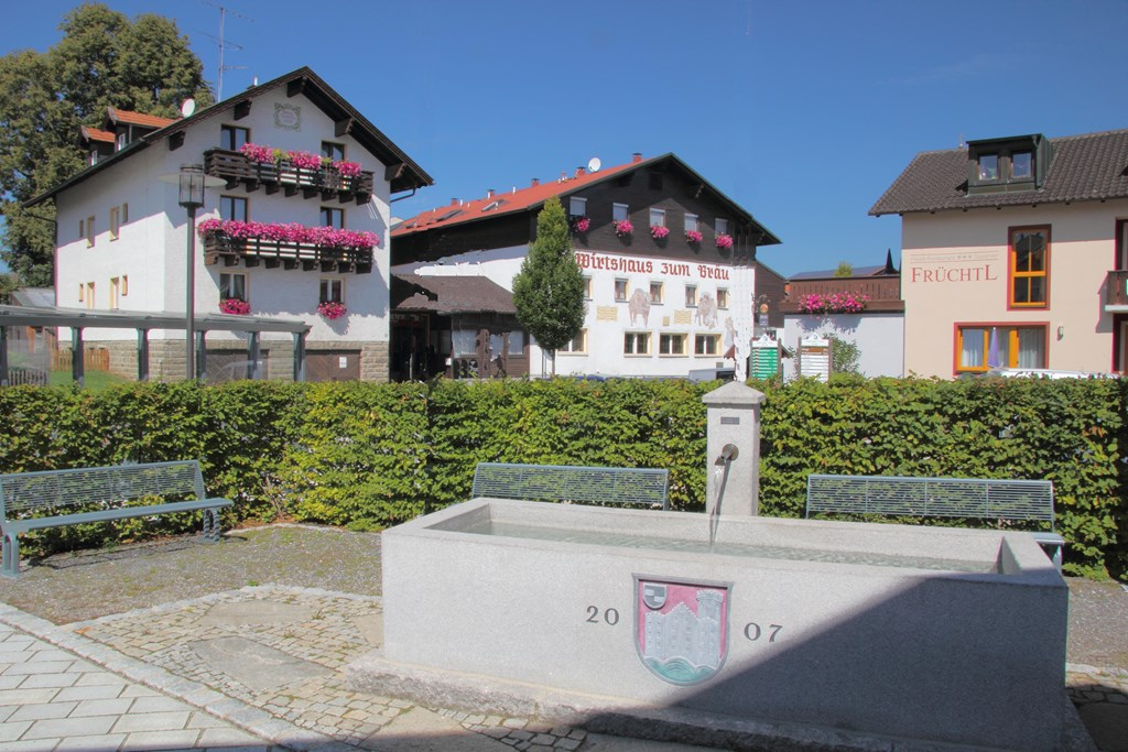 Hotel Früchtl - Wirtshaus Zum Bräu in Zandt