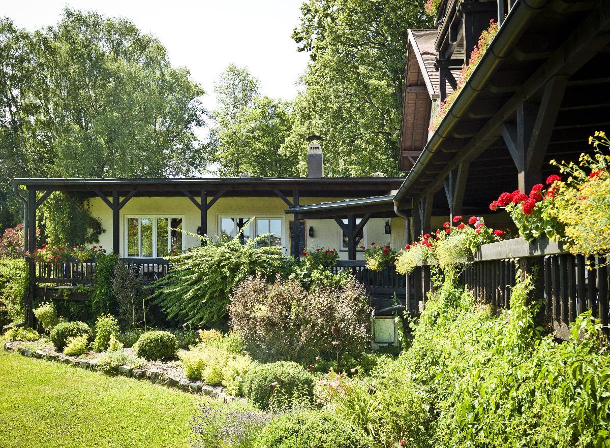 Hotel Zur Waldbahn    in Zwiesel