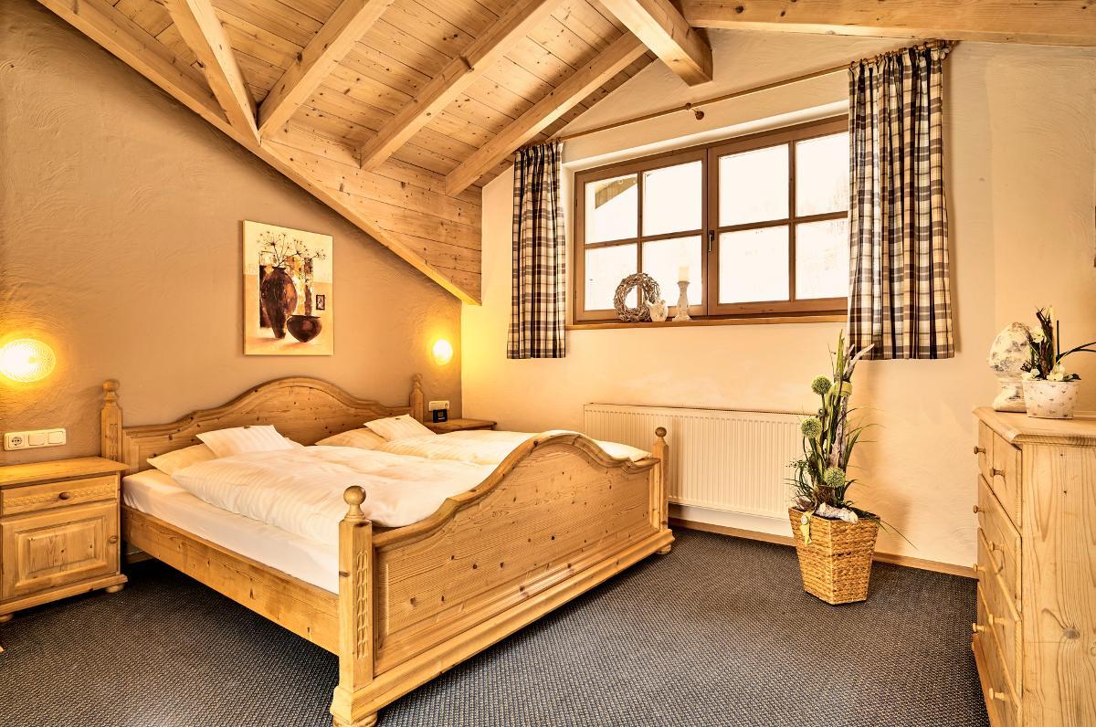ferienwohnungen beim rossererwirt in bodenmais. Black Bedroom Furniture Sets. Home Design Ideas